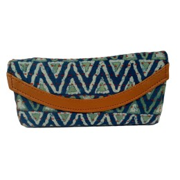Handmade Excellent White Genuine Clutch by Women Self Help Groups of Rajasthan